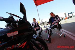 Kevin and Pete ponder how the Aprilia RSV4 R mixes with a gaggle of inline-Fours.