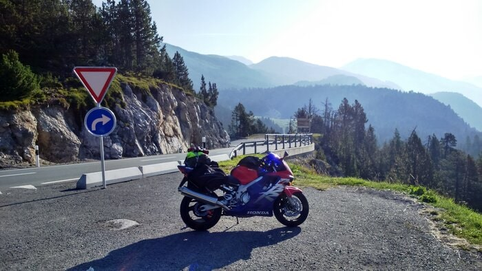 My 1999 Honda CBR 600 - motorcycle touring as an introvert