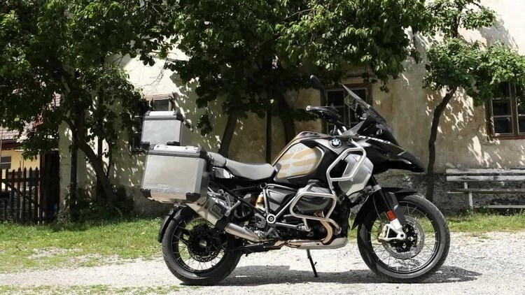 best motorcycles to tour around the world - bmw gs 1250 adv