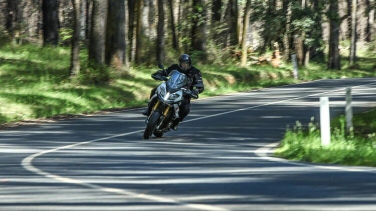 bmw s1000xr cornering position - cornering a motorcycle