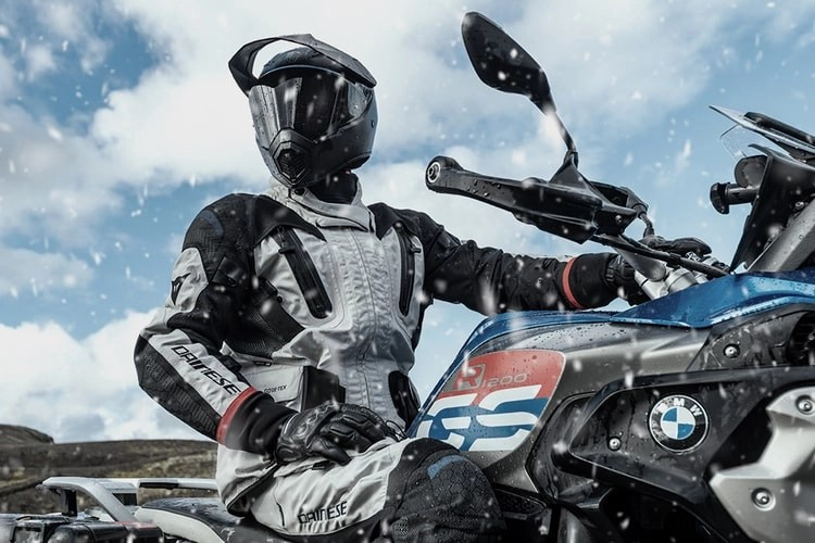 bmw gs in snow heated grips for motorcycle touring