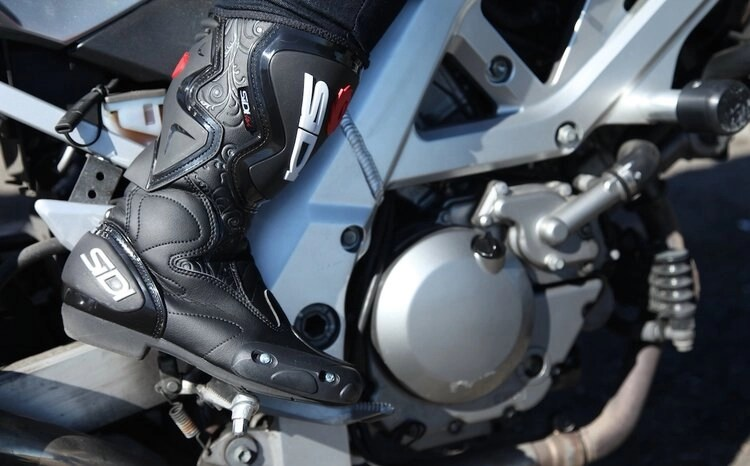 motorcyclist changing gear