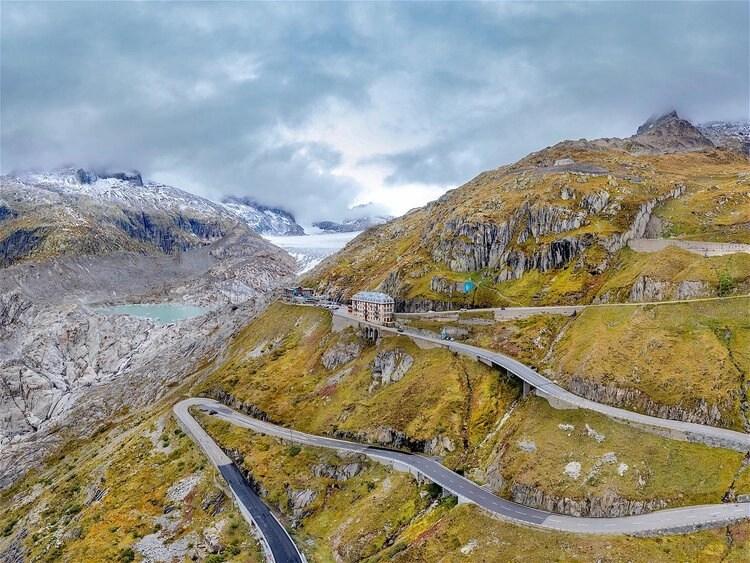 furkastrasse and glacier