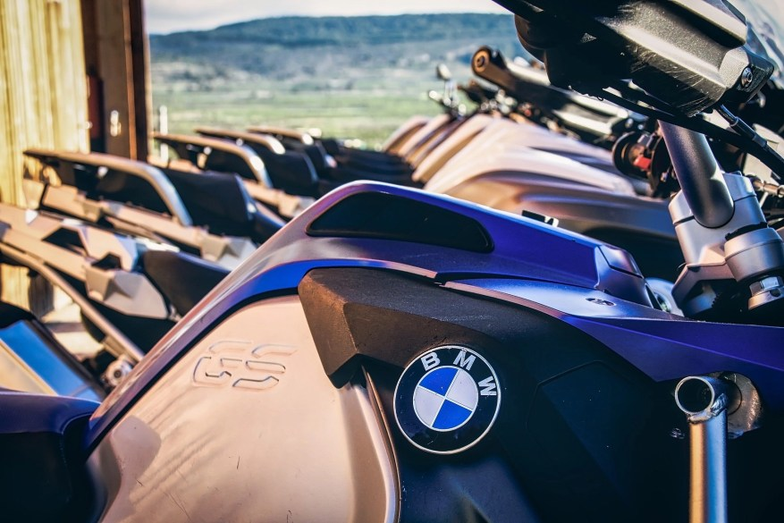 how to test ride a motorcycle - bmw showroom