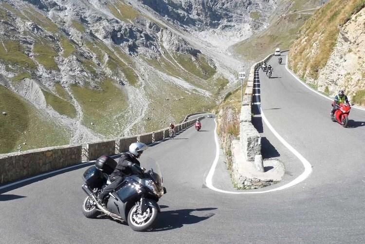 apex curbs motorcycle