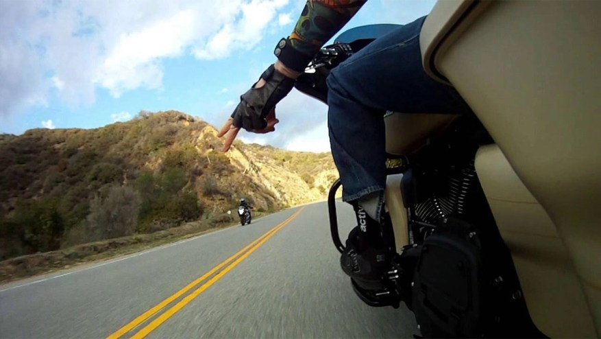 motorcycle touring etiquette - motorcycle wave