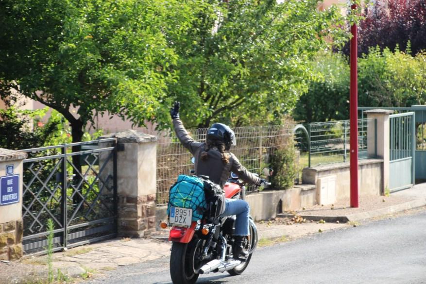 biker code hand signals - woman on harley davdison