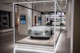 70-Jahre-Porsche-VW-Group-Drive-Ausstellung-Porsche-Museum-Berlin-Rundgang-911-Magazin-Benjamin-Brodbeck-AUTOmativ.de