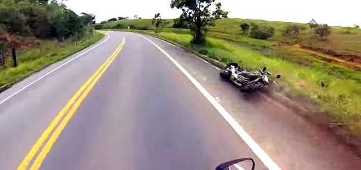 passeio de moto que acaba muito mal