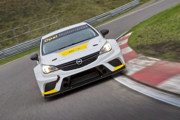 Opel-Astra-TCR-299178[1]