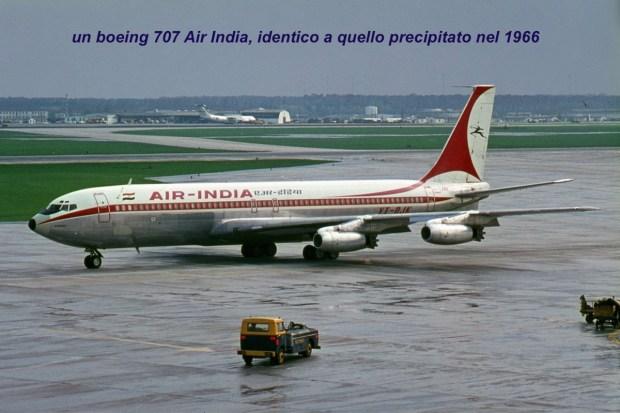 F1_Boeing707_AirIndia