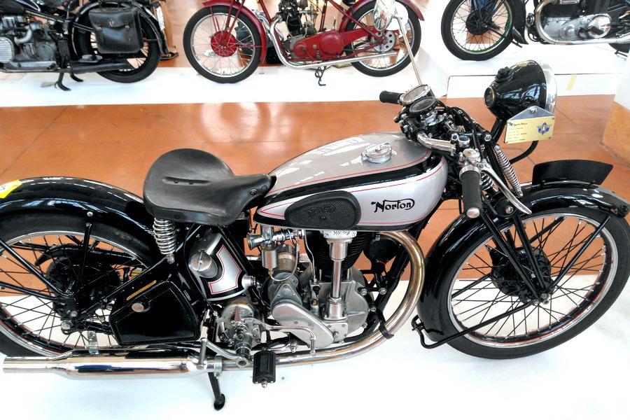 43_Norton-C51_Moto-100-anni-di-storia Moto Club Trieste, 110 anni di storia