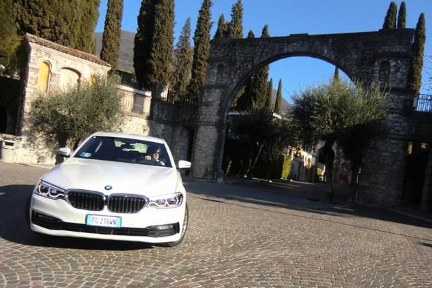 Motori360-BMWserie5-2017-09 BMW nuova Serie 5, più leggera e completamente interconnessa
