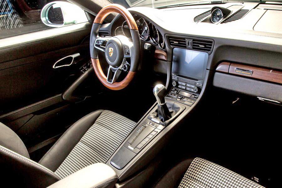 Motori360.it-Porsche 911 n° 1milione-08