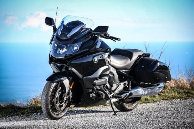 Motori360-BMW-Lusso-viaggia-forte