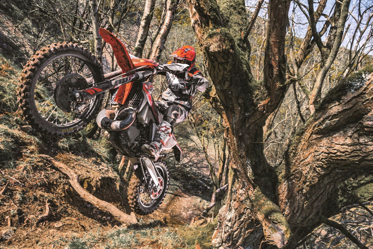 Motori360-KTM 250 EXC TPI MY 2018_Action_02