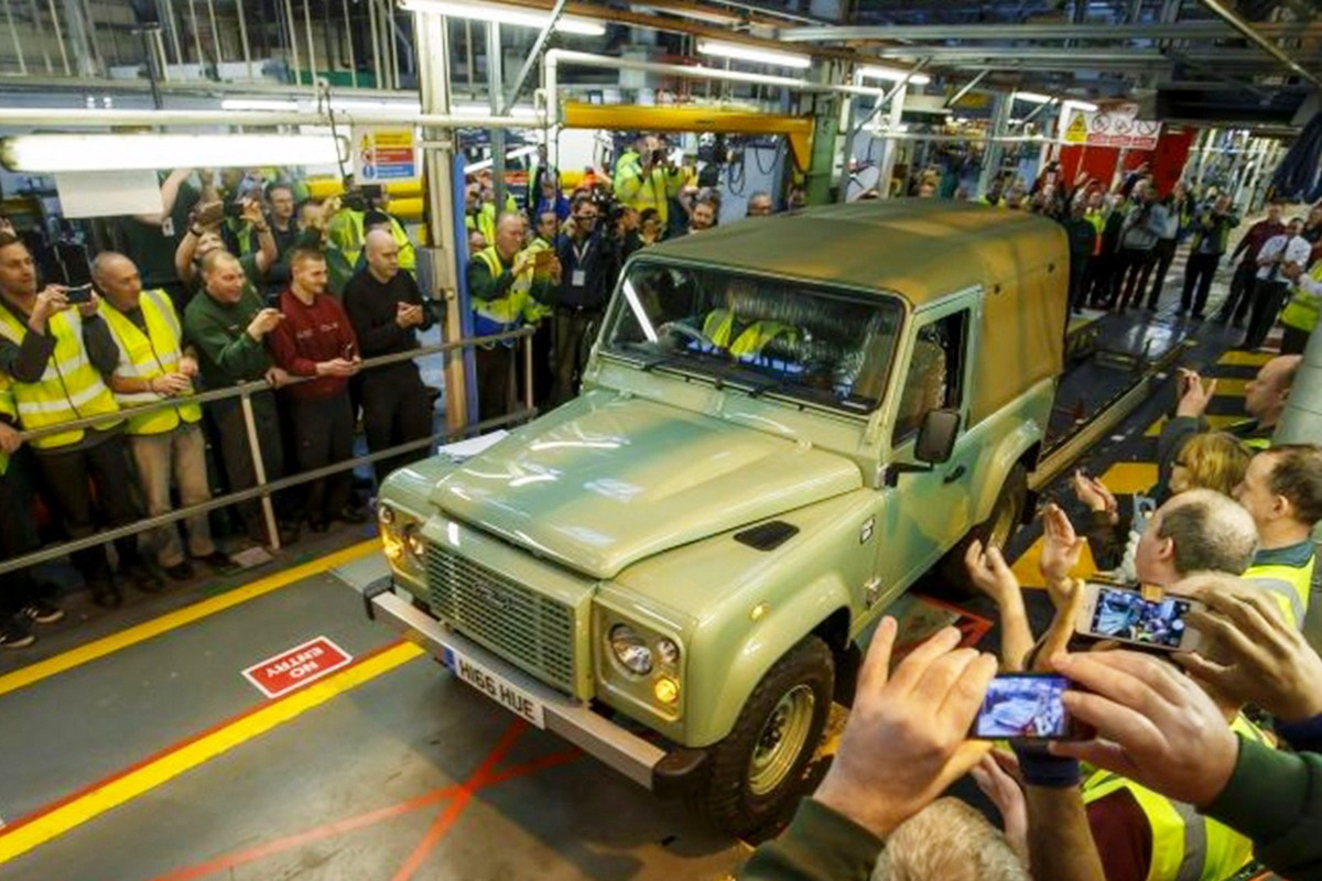 Jaguar Land Rover Defender production ends