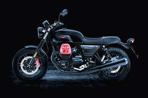 Motori360-MotoGuzzi-V7-Carbon-ap