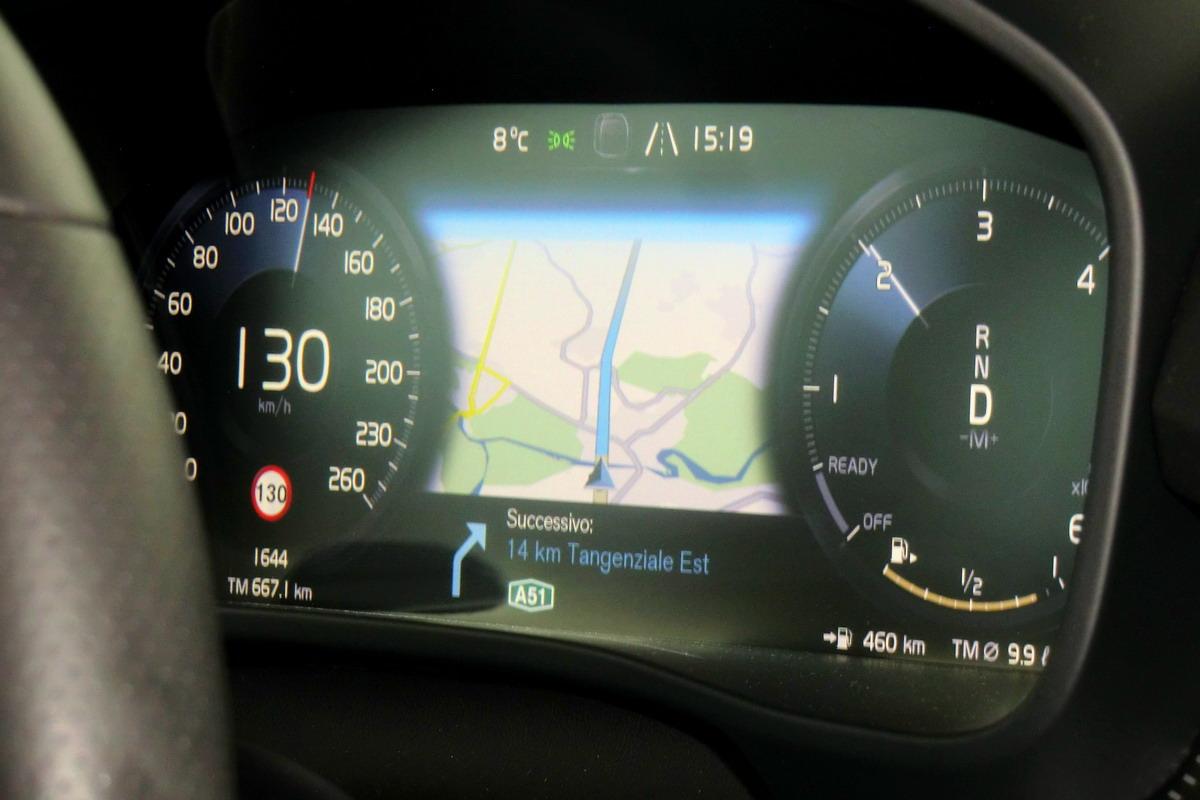 Motori360-Volvo-XC40-Primo-Contatto-15