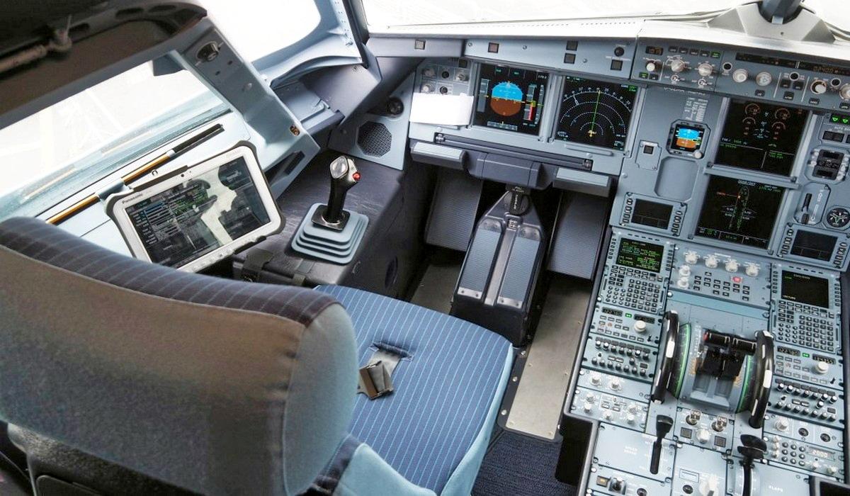 Easyjet A321neo Farnborough