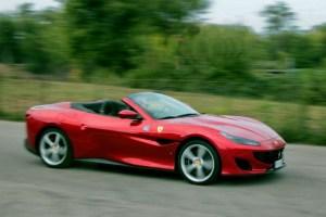 Motori360_Ferrari-Portofino-move