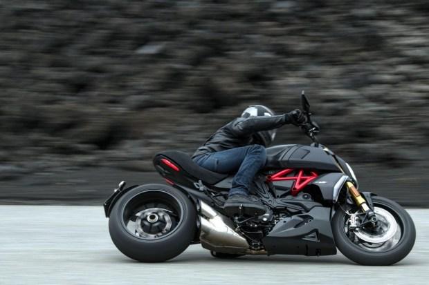 Motori360_Ducati_Diavel-1260-S-MY19 (4)