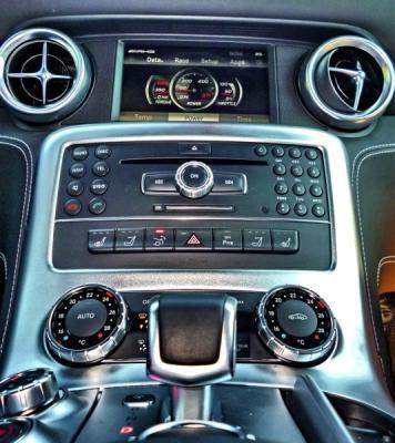mercedes-sls-roadster-amg-1