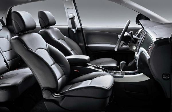 07-black-interior