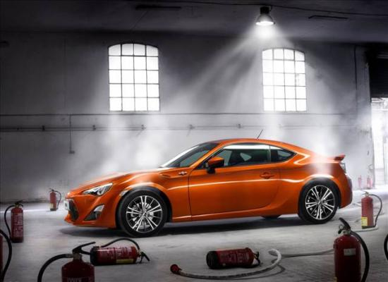 toyota-gt86-coupe-5