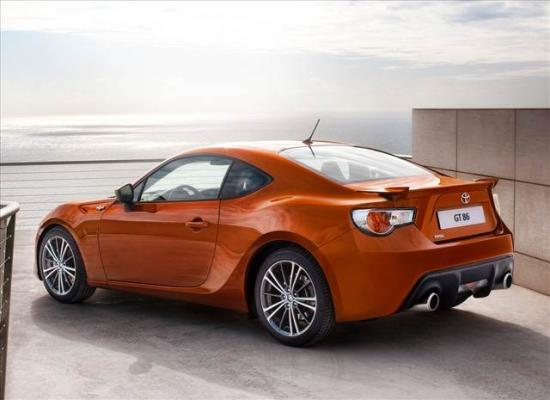 toyota-gt86-coupe-7