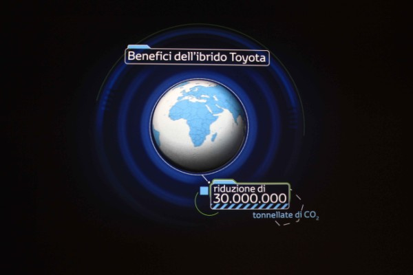 toyota-hybrid-space-roma-6