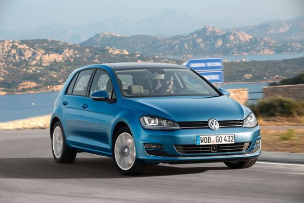 volkswagen-golf-car-of-the-year-2013-4