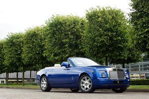 One-off Rolls Royce Drophead Coupé for the 2011 Masterpiece London