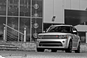 Project Kahn Range Rover Autobiography