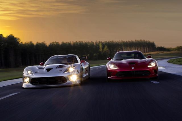 2013 SRT Viper GTS-R and 2013 SRT Viper GTS
