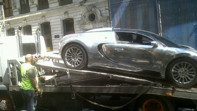 Friday FAIL Bugatti Veyron Towed