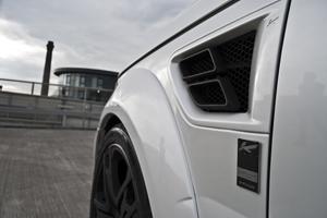 Triple White Range Rover
