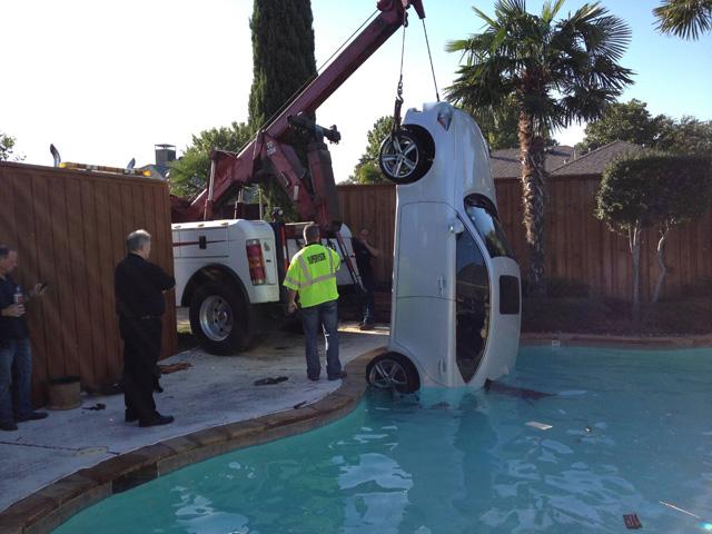 Lexus Pool