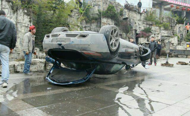 SLS AMG Pond Crash
