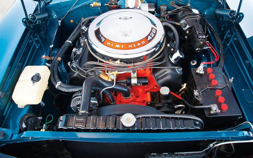 1968-Dodge-Charger-RT-426-Hemi-engine-2