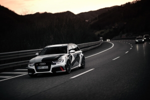 Jon Olsson Audi RS 6 Winter Mobile