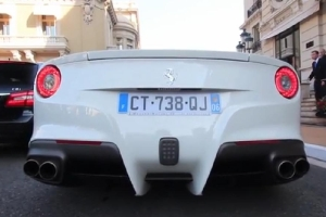 Ferrari F12Berlinetta butterfly less exhaust