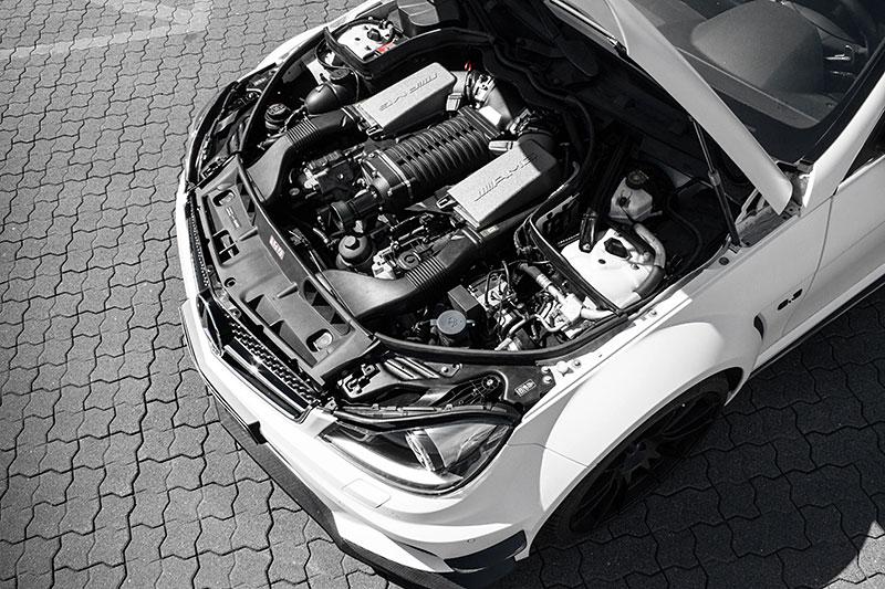 McChip-DKR Mercedes-Benz C63 AMG mc8xx