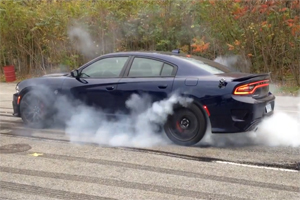 Charger SRT Hellcat burnout
