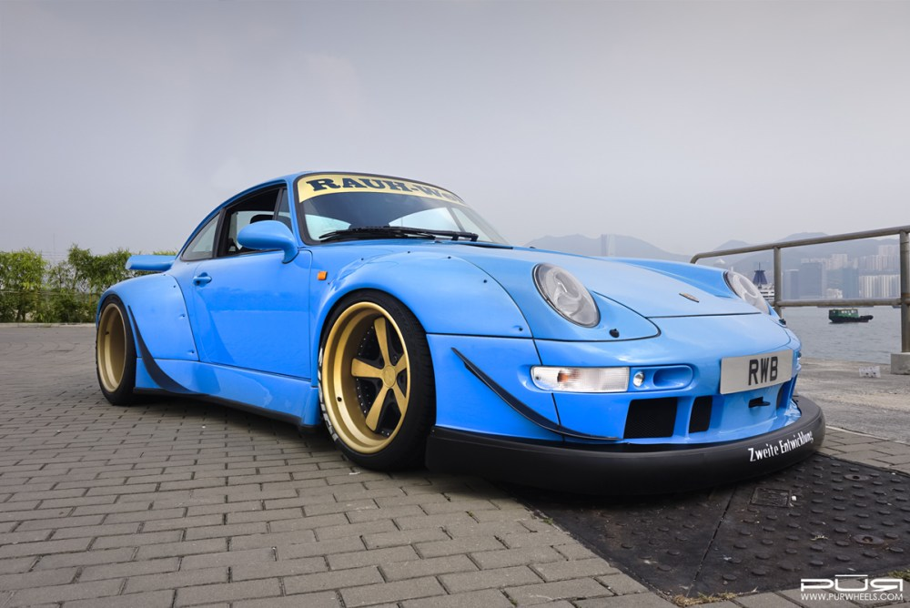 RWB 993 Porsche 911 with PUR LG07 Wheels