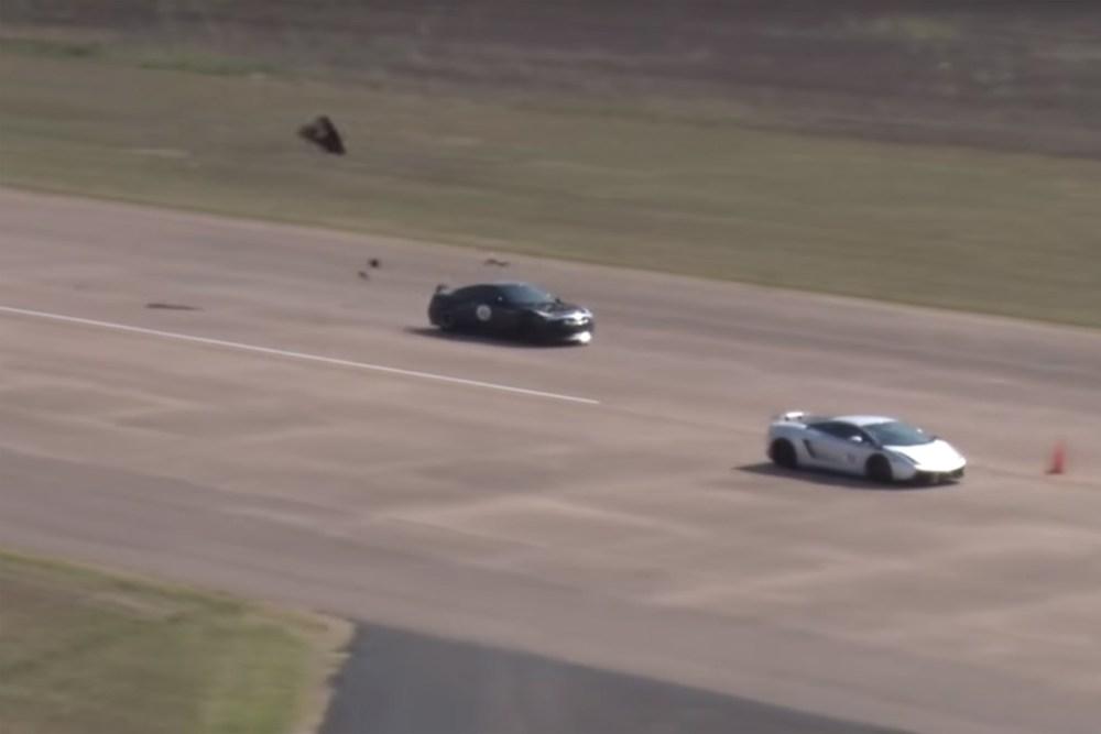 Nissan GT-R Hood Fly Off