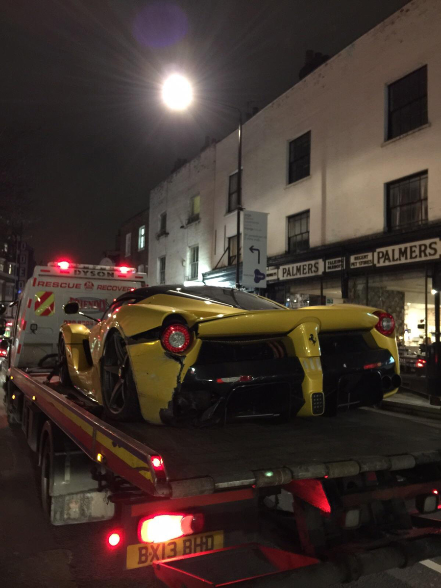 Ferrari LaFerrari Crash A40