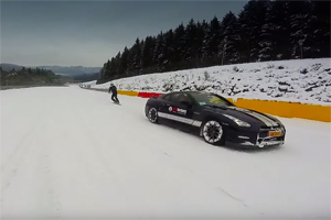 Nissan GT-R Spa-Francorchamps Snowboarding