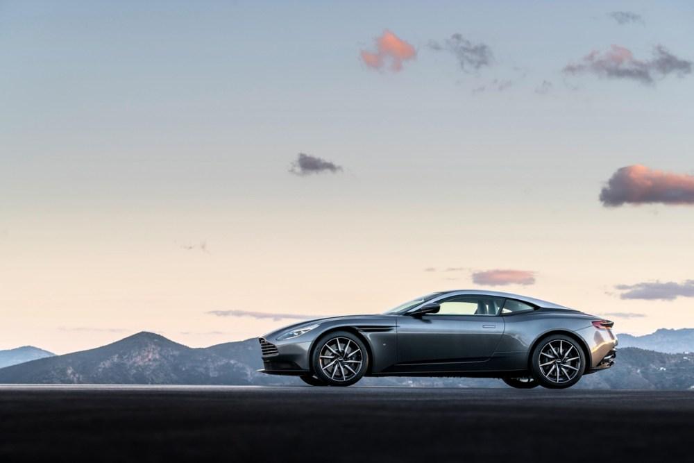 2017 Aston Martin DB11 (3)