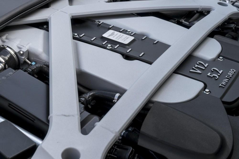 2017 Aston Martin DB11 (38)